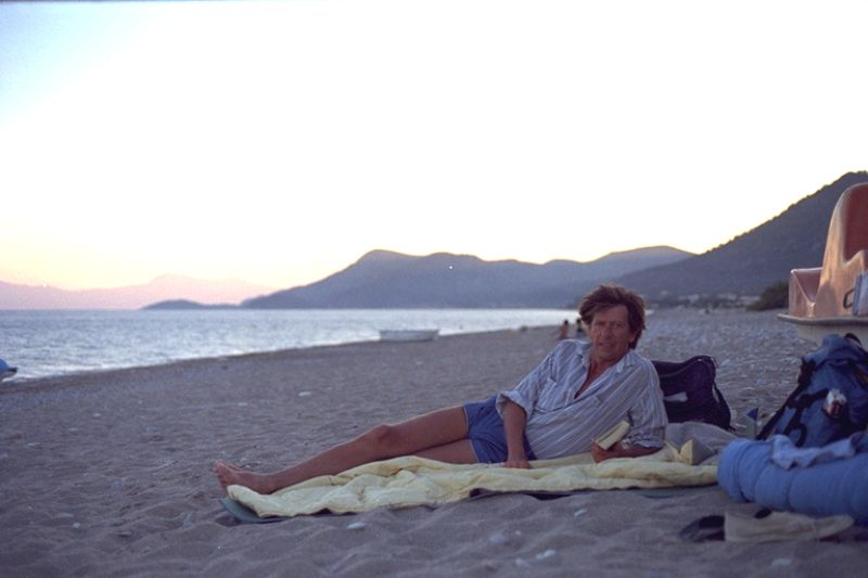 otto-sleeping-on-beach-in-samos-1989  Photo: Otto Leholt